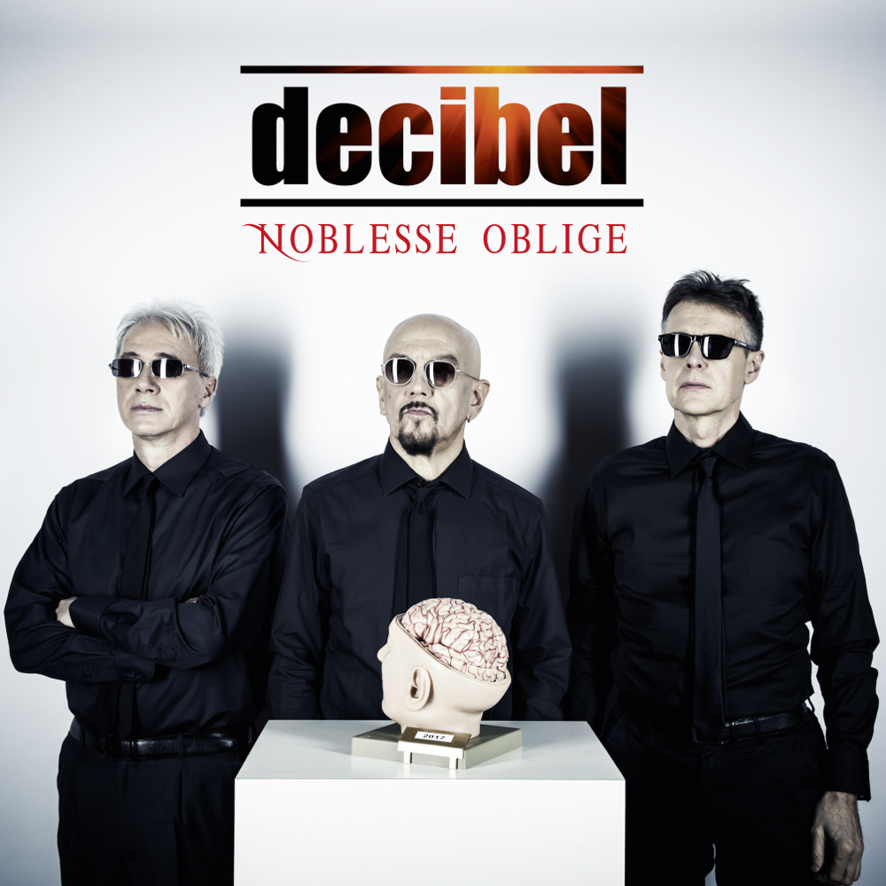 Cover Decibel (1)