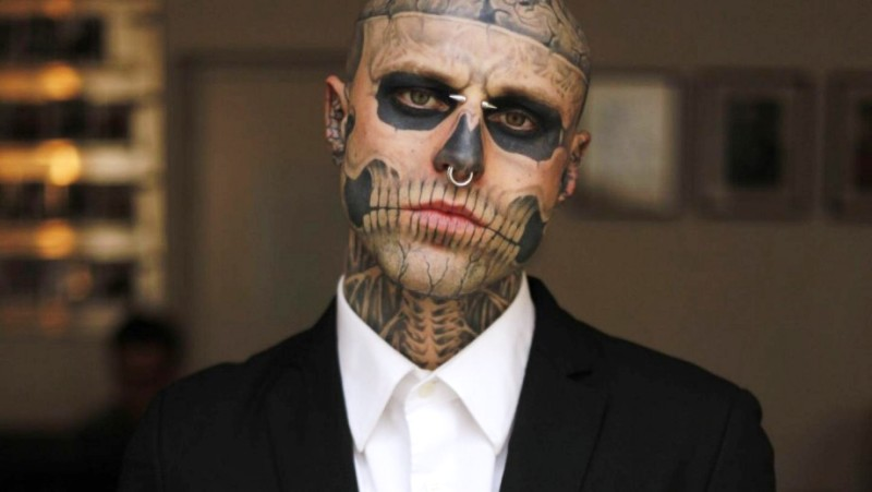 920_rick-genest-is-the-perfect-poster-boy-for-halloween-8696